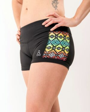 Kayla-yoga-shorts-black-pink-silver-navao-Sweat-n-Stretch